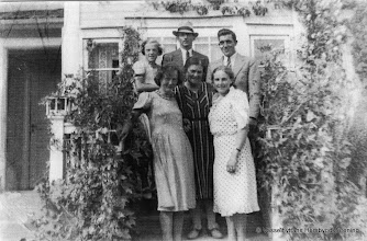 Photo: Värmskogen 1940-tal. Värmskogen, Övre raden fr.v. Anna-Britta Roland (Andersson), Erik Andersson, Erik Axel Jansson Nedre raden fr. v. Mary Jansson (Hansson), Anna Andersson, Ingrid Eriksson