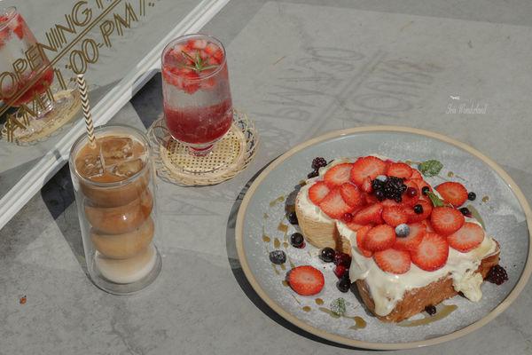 Stunning Cafe|結合服飾店的韓系質感咖啡廳,冬季限定草莓丹麥土司超好吃!