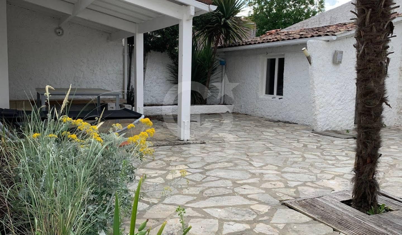 House with terrace Saint-Georges-de-Didonne