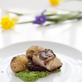 Perch Fillet With Mashed Peas And Beets.