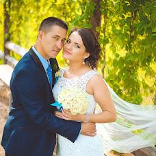 Wedding photographer Kseniya Dikaya (DIKFOTO). Photo of 20.08.2015