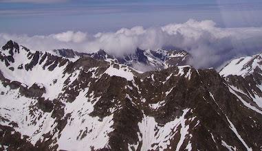 Photo: Crêtes du Pène det Pourri (2587m) à gauche au Pic d'Ourgédon (2436m)  à droite.