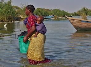 Photo: Der See liefert auch das tägliche Trinkwasser.