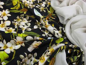 Photo: Ткань : Матовый атлас стрейч натуральный шелк ш.140см. цена 4600руб. Ткань: Шифонш.140см. цена 1900руб.