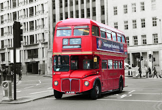 Photo: Londýn Double-decker http://www.turistika.cz/cestopisy/londyn-london-eye-trafalgar-square-palace-of-westminster-big-ben-piccadilly-circus-eurotunel