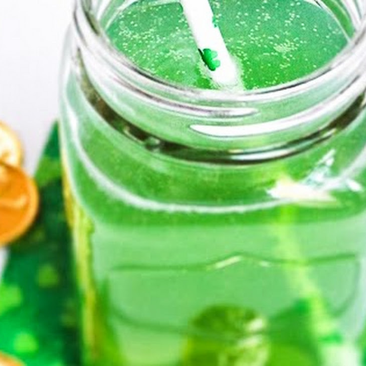 The Tipsy Leprechaun ~ a St. Patty'S Day Cocktail Recipe