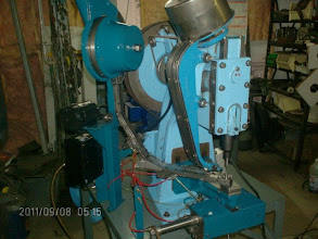 Photo: Grommet machine full automatic