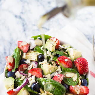 BERRY SPINACH SALAD + CITRUS POPPY SEED DRESSING.