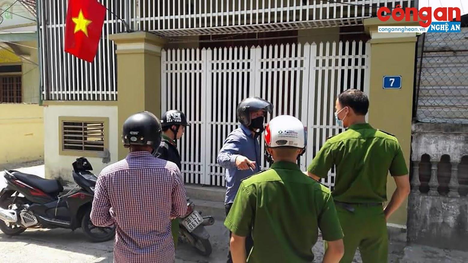 Lực lượng công an đang khẩn trương điều tra, truy bắt hung thủ