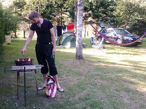 Photo: De eigenaar van de camping kwam ineens met een bbq aanzetten, dus toen moesten we wel!