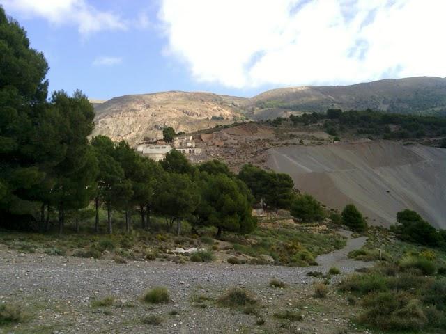 Lavaderos de fluorita de las antiguas minas de la Sierra de Gádor.