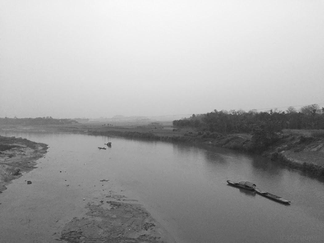 sông ngàn phố