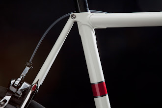 Photo: More teardrops, along with the red and silver bands on the seat tube.