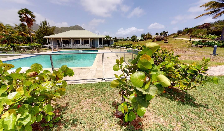 Propriété avec piscine en bord de mer Saint-Martin
