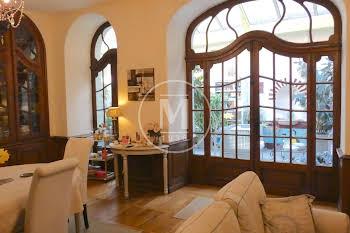 Maison 9 pièces 339 m2
