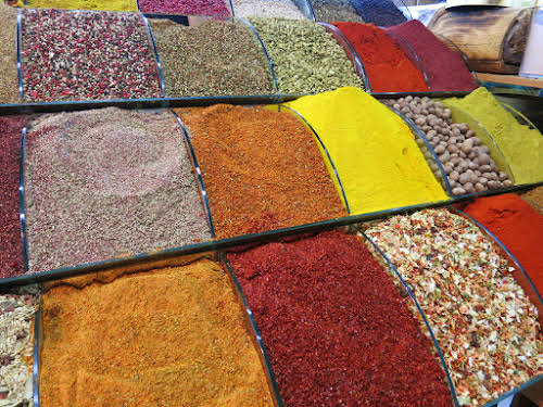 Top Thing to Do in Istanbul Itinerary 3 days // Spice at the Egyptian Spice Bazaar