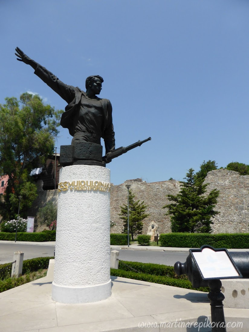 Pamätník partizána, Durres, Albánsko