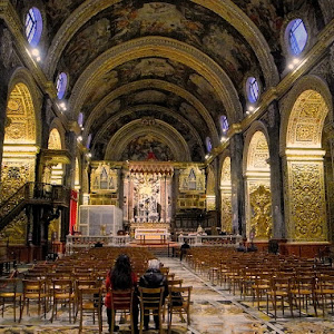 inside the cathedral_PIX.JPG