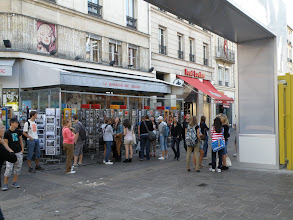 Photo: Tak kdopak se to loudá na WC!? (Les Halles)