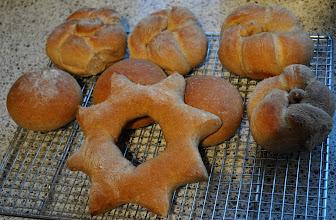 Photo: Oefenen met klein brood