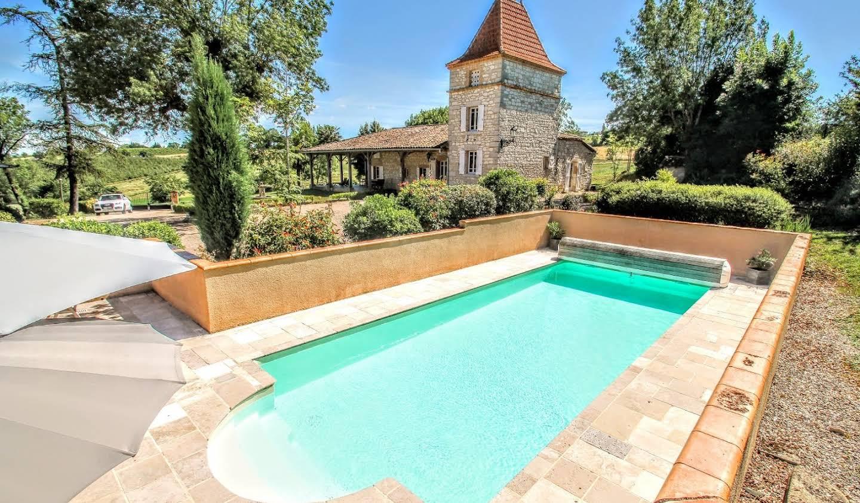Propriété avec piscine Caussade