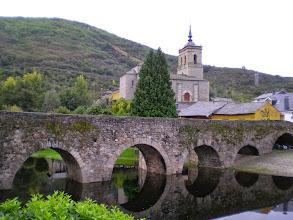 Photo: Etapa 22. Puente Medieval sobre el rio Meruelo. Molinaseca.