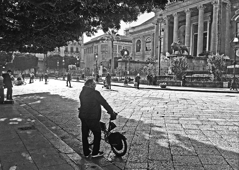 """""""Piazza Verdi"""", Palermo, Sicily, Italy, 2017. di tano1970"""