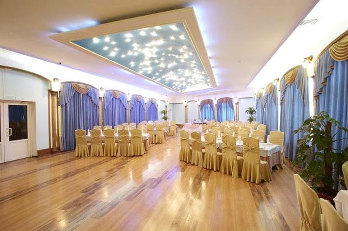 Фото №3 зала Усадьба принца