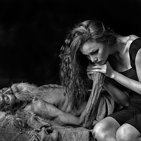 I love you, Dad...... by Indrawaty Arifin - Black & White Portraits & People ( woman, sickness, bw, oldman, portrait,  )