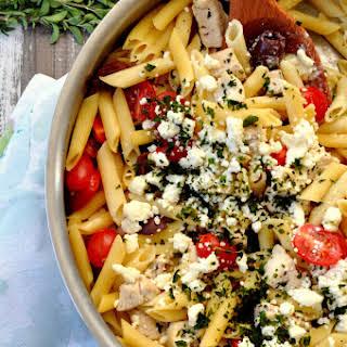 One Pot Greek Chicken Pasta.
