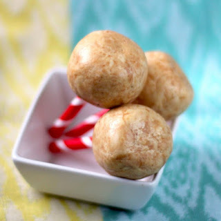 Healthy Peanut Butter Protein Balls (just 3 ingredients!)