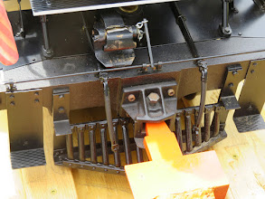 Photo: Draw bar holding the loco in place.    HALS Public Run Day 2015-0418 RPW