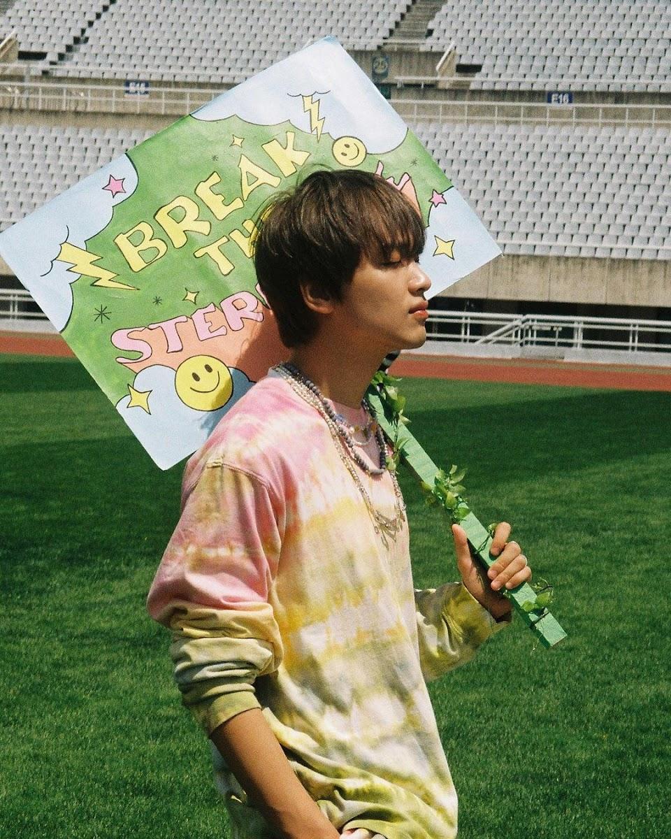 haechan hello future photoshoot