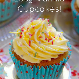 Easy Vanilla Cupcakes! Recipe