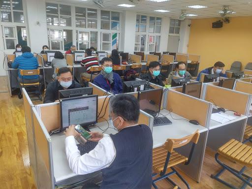 1090306校長科技領導社群_google hangouts meet