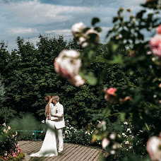 Wedding photographer Valya Lipatova (LipaValenti). Photo of 26.04.2016