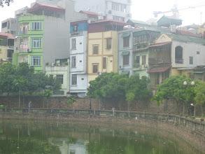 Photo: Typická hanojská zástavba