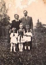 Photo: Stanisław Aksamit z żoną i dziećmi.  Zdjęcie udostępnione prze P.Ewe Aksamit.