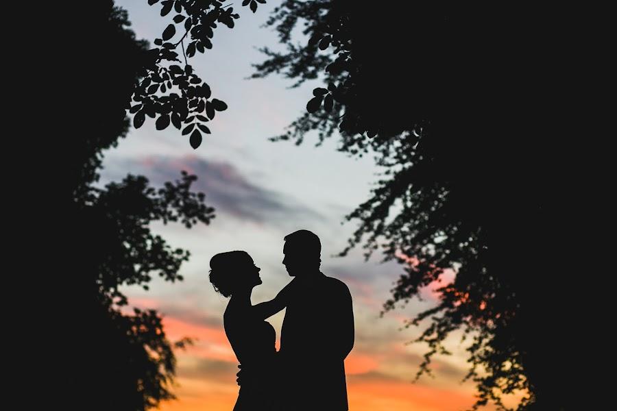 Wedding photographer Aaron Storry (aaron). Photo of 25.07.2016