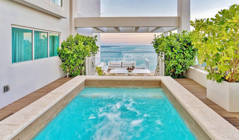 Appartement avec piscine Coral Gables