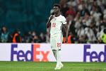 """Daarom knielen ze dus! Drie spelers Engeland racistisch bejegend na verloren strafschoppenreeks: """"Gedegouteerd"""""""