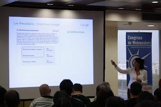 Photo: Esperanza Navas de Google explicando cosas webmaster tools, en el III Congreso de webmasters
