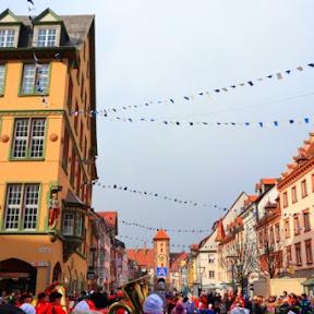 ドイツの黒い森の町フィリンゲンで開催される伝統あふれるカーニバルを楽しもう!