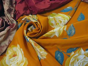 Photo: Ткань: Крепдешин нат.шелк ш.140см. цена 4000руб Ткань : Тафта шанжан натуральный шелк ш.140см. цена 3500руб.