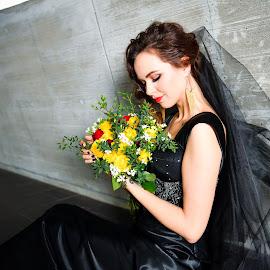 Bride(14) by 敬昕 涂 - Wedding Bride ( 敬昕 涂, woman, beauty, bouquet, jana, 涂敬昕, people, flower )