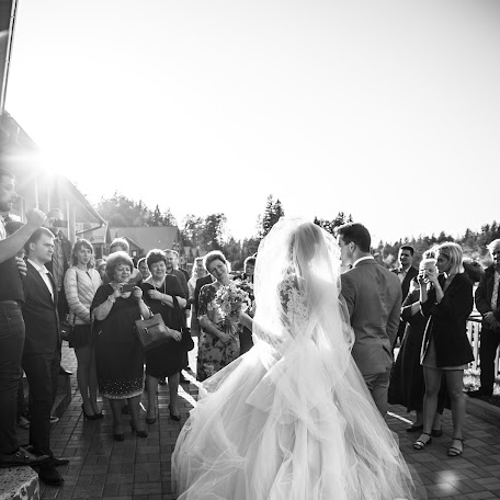 Wedding photographer Kristina Grechikhina (kristiphoto32). Photo of 17.01.2018
