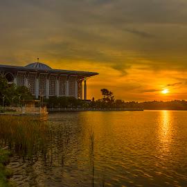 Beautiful sunset by PENDI KAMRI - Landscapes Sunsets & Sunrises ( sky, landscapes, sunset, clouds, sun, lake, water, landscape,  )