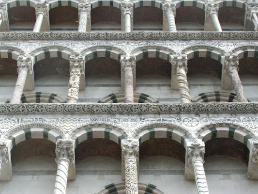Particolare del duomo di Lucca di Pierluigi