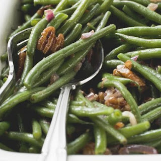 Fresh Green Beans with Pecans and Bacon