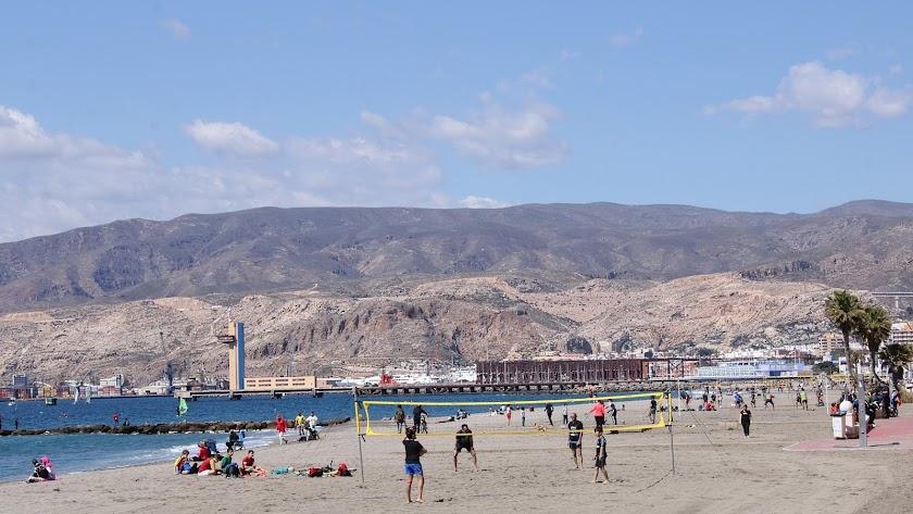 Imagen de archivo de la playa de El Zapillo.